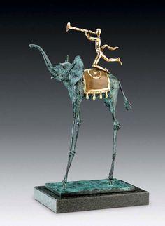 Salvador-Dali-Sculpture