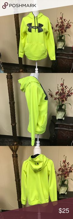 🌼 men S under armour pullover 🌼 Great pre-owned Men's small pull over. Under Armour Jackets & Coats
