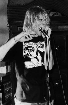80s Hair Metal, Hair Metal Bands, Kurt Cobain Quotes, Nirvana Kurt Cobain, Lead Belly, Hot Country Boys, Band Pictures, I Have A Crush, Foo Fighters