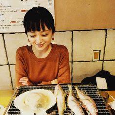 いいね!3,269件、コメント28件 ― 安達祐実さん(@_yumi_adachi)のInstagramアカウント: 「あはは #今日も楽しそうに #笑ってます #ポシェット #大好き #ちょっとしか入らんけども」