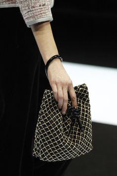 Giorgio Armani Fall 2016 Ready-to-Wear Accessories Photos - Vogue