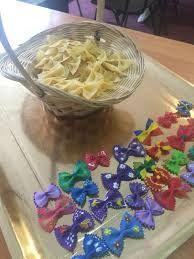 Imagini pentru martisoare confectionate de copii Sprinkles, Candy, Food, Essen, Meals, Sweets, Candy Bars, Yemek, Eten
