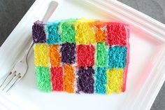 Regenbogen-Torte im Ombré-Look
