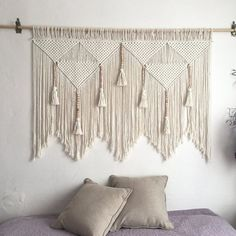 Macrame Wall Hanging Patterns, Large Macrame Wall Hanging, Macrame Patterns, Tapestry Wall Hanging, Macrame Wall Hangings, Diy Wall Hanging, Tapestry Bedroom, Hanging Plants, Quilt Patterns