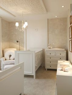 1000 ideas about cream nursery on pinterest nursery for Commode table a langer bebe