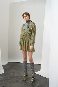 Missoni Pre-Fall 2019 Fashion Show Collection: See the complete Missoni Pre-Fall 2019 collection. Look 16 Fashion Project, Milan Fashion Weeks, Vogue Russia, Fashion Show Collection, Missoni, Fashion Details, Fashion News, Fashion Brands, Women's Fashion