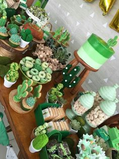 Cactus theme dessert table - Cactus theme dessert table You are in the right place about party ideen Here we offer you the most - Dessert Table, Dessert Bars, Cactus Cake, Cactus Cactus, Indoor Cactus, Green Cactus, Baby Cactus, Cactus Food, Cactus Cupcakes