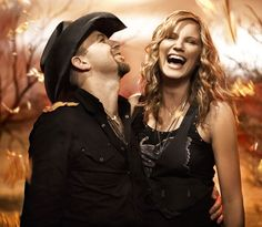 Sugarland, an American country music duo, is composed of singer–songwriters Jennifer Nettles and Kristian Bush. Sugarland was founded in 2002 by Kristen Hall with Bush and ultimately became a trio after hiring Jennifer Nettles as lead singer. Country Music Artists, Country Music Stars, Country Singers, Songs With Meaning, Jennifer Nettles, Country Bands, Country Couples, My Escape, My Favorite Music