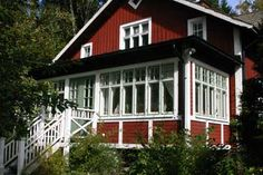 Cute Cottage, Red Cottage, Cottage Homes, Red Houses, Old Farm Houses, This Old House, Glass Porch, Sweden House, Antebellum Homes