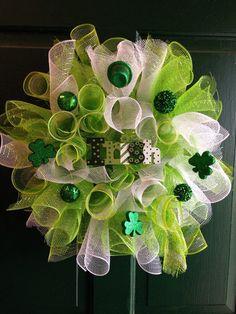 Saint Patricks Day wreath, St Patricks day decor, Saint Patricks Day, green and white wreath, Irish wreath