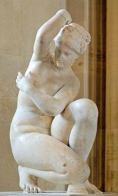 Aphrodite Accroupie - Musée du Louvre - http://www.louvre.fr/en/oeuvre-notices/crouching-aphrodite