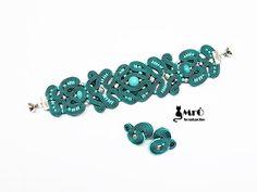 Γεια, βρήκα αυτή την καταπληκτική ανάρτηση στο Etsy στο https://www.etsy.com/listing/217928369/turquoise-and-silver-soutache-bracelet