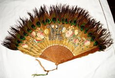 FINE CHINESE HAND FAN EVENTAIL IN WOOD STICK FEATHERS HAND PAINTED