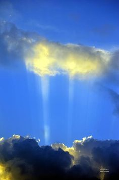 Rays and Clouds | Amazing Pictures