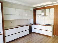 beyaz-renk-akrilik-mutfak-dolaplari