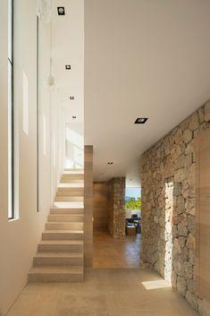 Gallery of M24 House / OLARQ Osvaldo Luppi Architects - 2