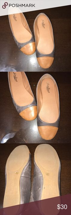 LIKE NEW LUCKY BRAND FLATS!!!! Lucky Brand Flats  Size: 7.5 M Color: Brown and Gray Excellent Condition LK Brielly Flats Lucky Brand Shoes Flats & Loafers