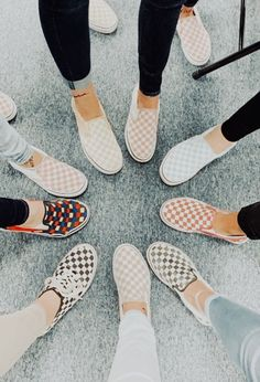 Vans are trending right now! Before you buy your next pair, check out this guide to determine which pair of vans is best for you! Vans Sneakers, Adidas Shoes, Vans Shoes Fashion, Vans Shoes Outfit, Cute Vans, Aesthetic Shoes, Hype Shoes, Vans Slip On, Trendy Shoes