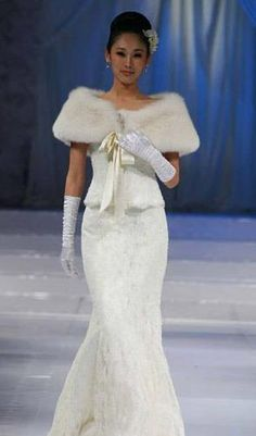 winter wedding dress with white fur