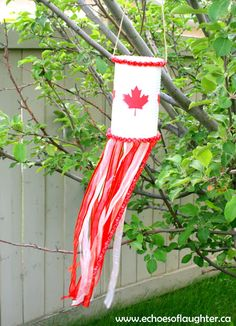 Echoes of Laughter: Canada Day Wind Sock Craft Sock Crafts, Bunny Crafts, Diy Projects To Try, Crafts To Make, Diy Crafts, Summer Crafts, Summer Fun, Outdoor Crafts, Outdoor Decor