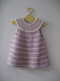 Ravelry: Feliga's Little girls top - stripes