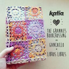2 fundas para The Grannies Bookcrossing = Ganchillo   Libros | http://www.katia.com/blog/es/2014/04/01/fundas-ganchillo-libros-katia-grannies-bookcrossing/
