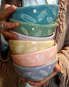 Ceramic Owl, Ceramic Clay, Ceramic Painting, Porcelain Ceramics, Ceramic Pottery, Pottery Painting Designs, Pottery Designs, Paint Your Own Pottery, Pottery Plates