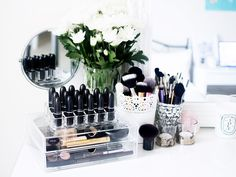 6 Makeup Storage Tips From a Professional Organizer via @ByrdieBeautyUK