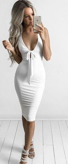 Midi Sheath Dres 2018 // White Midi Dresses 2018 Top of the spring 2017: the best outfit ideas by fashion blogger Kirsty Fleming