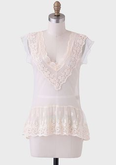Chic blouse for those very hot days: Tatiana Lace Blouse