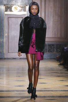 Sophie Theallet Fall 2016 Ready-to-Wear Collection Photos - Vogue High Fashion, Fashion Show, Catwalk Fashion, Fashion Fashion, Luxury Fashion, Sophie Theallet, Vogue, Clothing Photography, Fall 2016