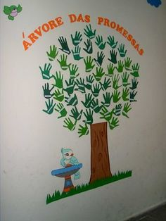 20 Ideas Tree Mural Classroom Ideas For 2019 Birch Tree Mural, Bulletin Board Tree, Handprint Christmas Tree, Diy And Crafts, Crafts For Kids, Eco Kids, Green School, Pre K Activities, Class Decoration