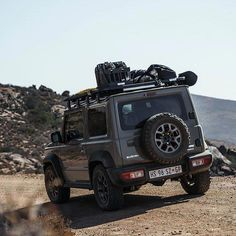 New Lifted Suzuki Jimny offroading in South Africa. Even though this unique vehicle is not officially coming to the US market any time soon, the interest among American off-roaders grows day by day. Suzuki Jimny Off Road, New Suzuki Jimny, Jimny 4x4, Pajero, Single Cab Trucks, Offroader, Beach Camping, Camping Gear, Fender Flares