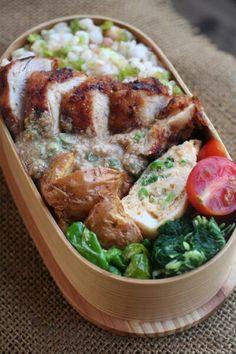 Twitter from @be_beejp 今日のお弁当は、鶏のソテーごまダレ弁当 #obentoart