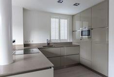 28 Unique Y Line Kitchens Kitchen Room Design, Ikea Kitchen, Modern Kitchen Design, Kitchen Interior, Cashmere Gloss Kitchen, Kitchen Diner Extension, Trendy Home, Updated Kitchen, Küchen Design