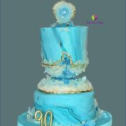 Marmoled Fondant cake with Crystal Geode edible, made with candy rocks. Geode Cake, Blue Geode, Amazing Cakes, Fondant, Cake Decorating, Candy, Crystals, Sweet, Desserts