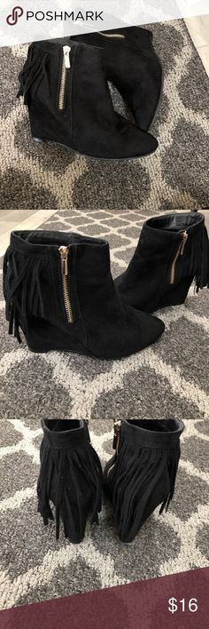 "Black Faux Suede Fringe Booties 6.5 Good condition. Functional gold zipper.6.5 with a comfortable 3.5""-4"" platform heel Shoes Ankle Boots & Booties"