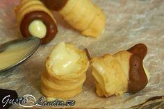 Cornete de casa cu ciocolata si crema mascarpone - GustoLandia | GustoLandia Dairy, Pudding, Sweets, Cheese, Chicken, Desserts, Food, Cream, Mascarpone