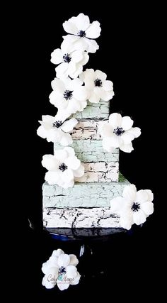 Faux rock finish, Unique wedding cake. Follow RUSHWORLD on Pinterest! New content daily, always something you'll love!