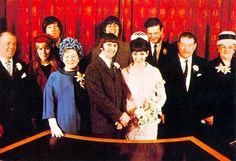 Ringo y Maureen se prometen y se casan