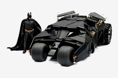 The Dark Knight: 1/6th Scale Batmobile Collection