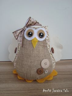 Owl - pic only Owl Crafts, Burlap Crafts, Fabric Crafts, Sewing Crafts, Diy And Crafts, Sewing Projects, Burlap Owl, Owl Fabric, Fabric Toys