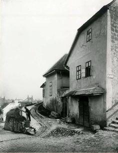 Budapest Hungary, History, Retro, Utca, House Styles, Painting, Landscapes, Paisajes, Historia