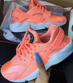Nike Huarache Sneakers nike, shoes, and orange Moda Sneakers, Sneakers Mode, Sneakers Fashion, Shoes Sneakers, Nike Fashion, Fashion Shoes, Harraches Shoes, Orange Sneakers, Fall Shoes