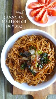 A humble dish from Shanghai, spring onion oil noodles is simple but delectable. It can be served as breakfast, lunch, dinner, or as a side dish for parties. Asian Recipes, Healthy Recipes, Ethnic Recipes, Chinese Recipes, Yummy Recipes, Shanghai Noodles, Shanghai Food, Party Side Dishes, Fusion Food