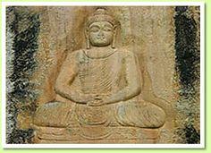 La cultura de Pakistán abarcan numerosas y diversas culturas y grupos Étnicos : los Panyabíes, Cachemiros, Sindhis. Pakistán era un importante centro cultural, muchas de las prácticas y grandes monumentos han sido heredados de la época de los antiguos gobernantes de la región