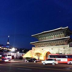 Instagram【yuunagi_champloo】さんの写真をピンしています。 《#興仁之門 #東大門 #城郭門 #夜景 #門 #城郭 #観光 #宝物 #歴史 #市場 #東大門市場 #トンデモン #ソウル #韓国 #旅 #旅行 #여행스타그램 #heunginjimun #dongdaemun #nightview #view #castle #sightseeing #lightup #dongdaemunsijang #seoul #seoul_korea #ig_seoul #travel tag:#yuunagi_travel》