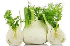 Pancia gonfia: alimenti contro il gonfiore addominale:  1. Finocchio; 2. Mirtilli; 3. Mela;  4. Papaya;  5. Ananas;  6. Yogurt con probiotici;  7. Liquirizia;  8. Rucola;  9. Alimenti integrali; 10. ACQUA;    Per saperne di più >>> http://www.piuvivi.com/alimentazione/pancia-sgonfiare-alimenti-cibi-per-gonfiore-stomaco-addome.html <<<