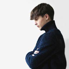 Sweatshirt med rullekrave ✂️ Model fra hæftet »Sweatshirts«. Læs mere på www.vingefang.dk #sweatshirts #sofiemeedom #forlagetvingefang #snitmønster #syteknik