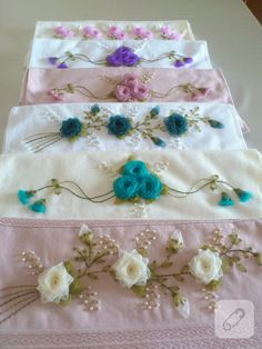 Wonderful Ribbon Embroidery Flowers by Hand Ideas. Enchanting Ribbon Embroidery Flowers by Hand Ideas. Towel Embroidery, Embroidered Towels, Embroidery Hoop Art, Hand Embroidery Designs, Embroidery Patterns, Ribbon Embroidery Tutorial, Silk Ribbon Embroidery, Quilting For Beginners, Embroidery For Beginners